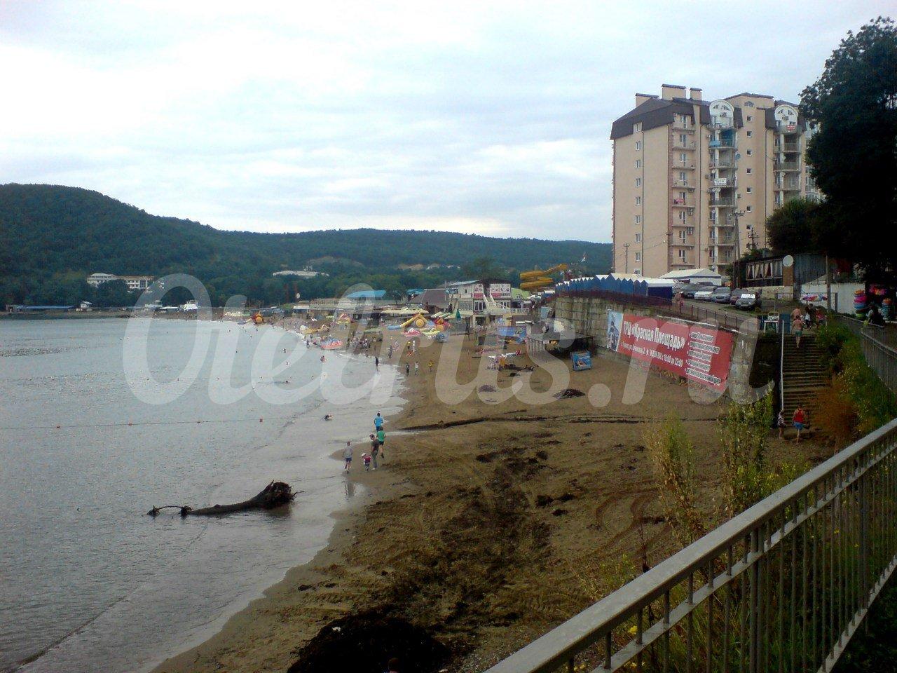 Фото пляжа на набережной в джубге